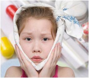 Играть в лечить зубы спанч боб