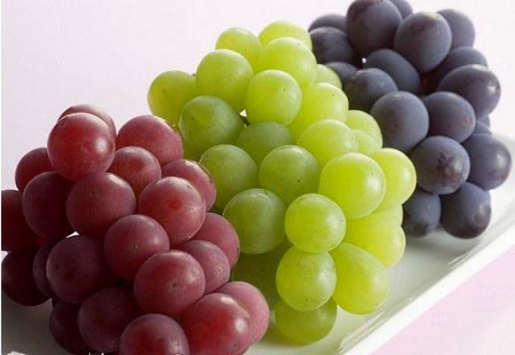 Употребление винограда полезно для кожи